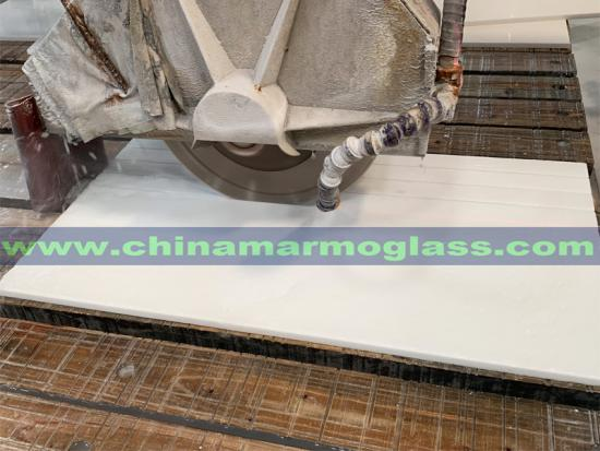 An Affordable and High Quality Nano Glass White Tile